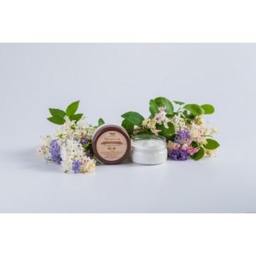 Крем для лица для нормальной кожи с гиалуроновой кислотой и маслом ши